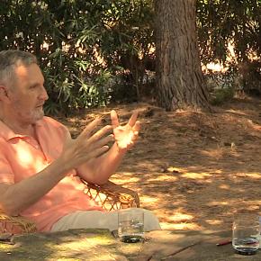 Reflexiones desde un mundo feliz con Enric Costa, médico defamilia